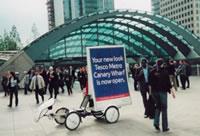 海外のエコ自転車広告導入事例:大手スーパーマーケット「TESCO」